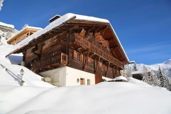 Luxury Verbier Chalet sleeps 12