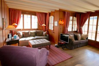 Verbier centre sleeps 4