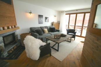Verbier stylish central apartment with garden